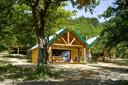 Glamping dr me proven ale huttopia dieulefit weekend for Camping montelimar piscine